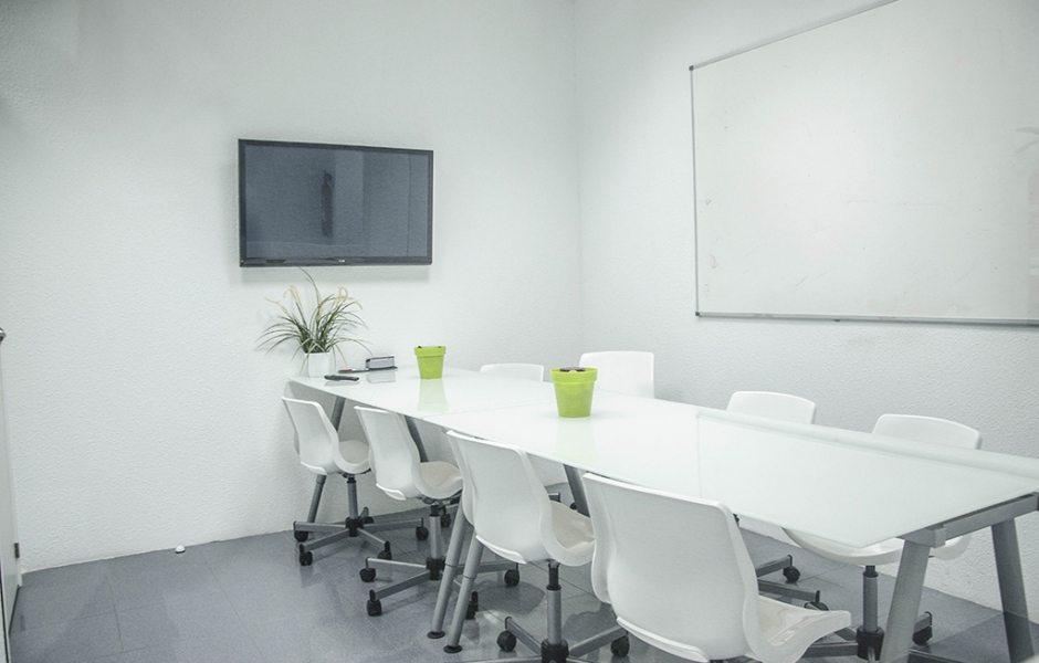 Sala de reuniones coworking m stoles for Sala de reuniones